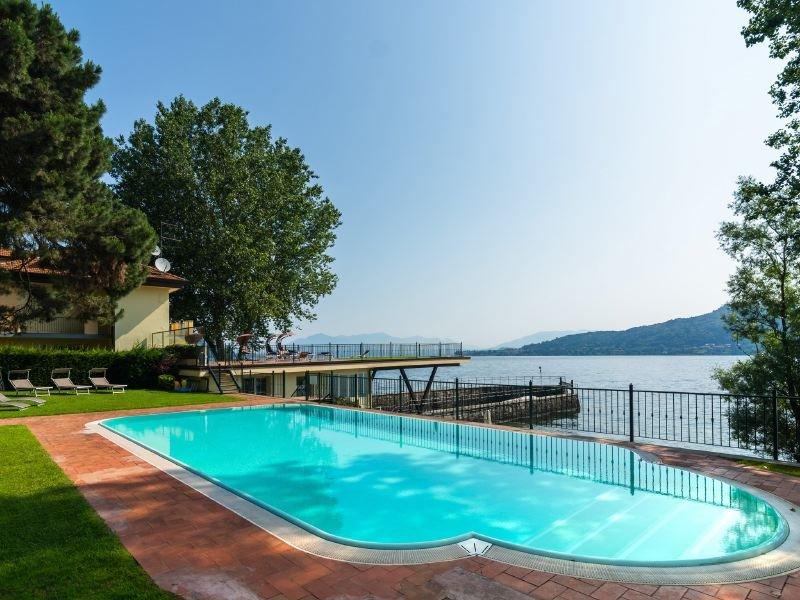 Piantini Apartment Sleeps 3 with Pool - 5218566, Ferienwohnung in Meina