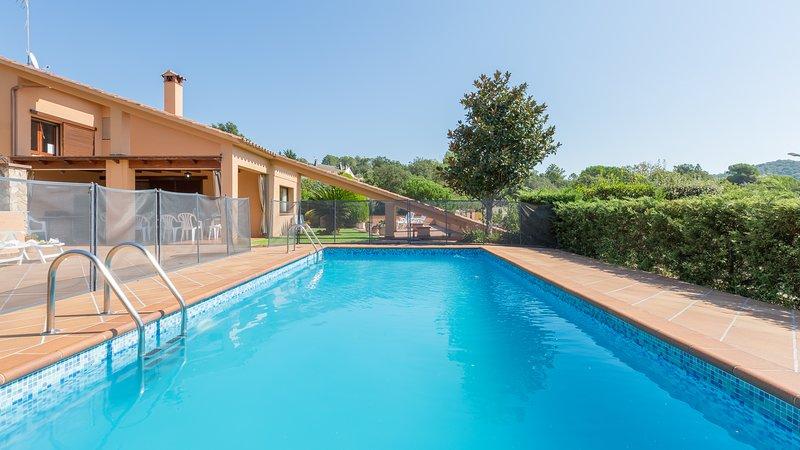 Lloret de Mar Villa Sleeps 14 with Pool and WiFi - 5223776, location de vacances à Mont Barbat