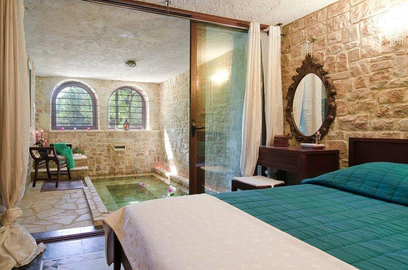 Elia Villa Sleeps 8 with Pool and Air Con - 5720386, holiday rental in Elia Nikitis