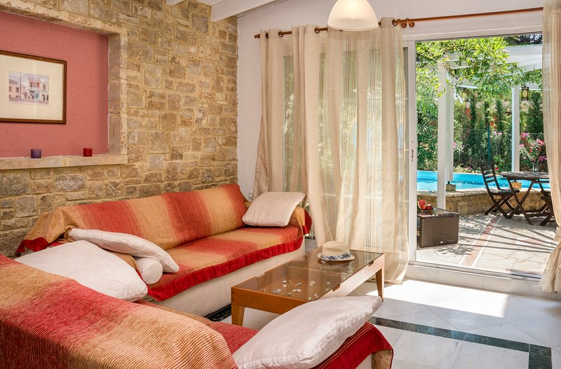 Elia Villa Sleeps 4 with Pool and Air Con - 5720391, holiday rental in Elia Nikitis