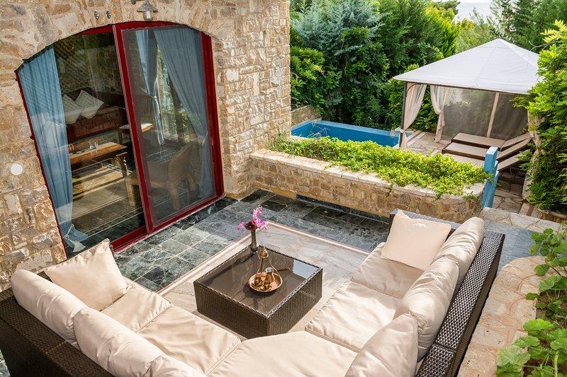 Elia Villa Sleeps 6 with Pool and Air Con - 5720384, holiday rental in Elia Nikitis