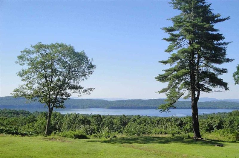 Tranquil Retreat Stunning Views+Hot Tub, Woodstock Area-Glenford House, vacation rental in Hurley
