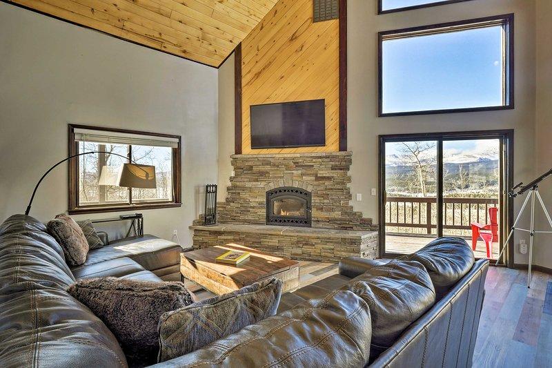 Large Fairplay Cabin w/Incredible Views near Breck, location de vacances à Como