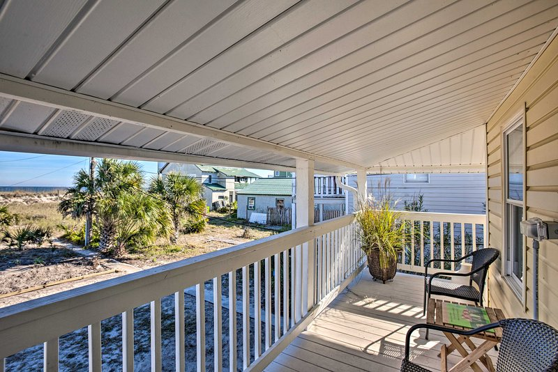 Old School Fernandina Beach Duplex W/ Ocean View! UPDATED