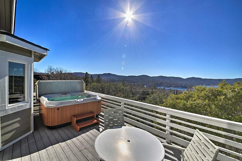 Enjoy views of Lake Arrowhead and the Village from one of 3 decks.