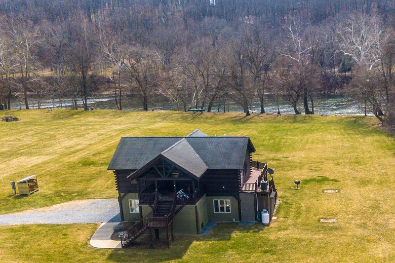 Just a few feet from the mighty Shenandoah River, tons of open lawn for running and playing
