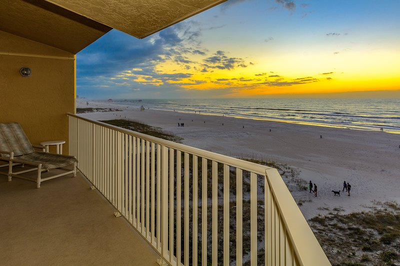 Villas of Clearwater Beach - A17  - Beachfront with a pool!, vacation rental in Clearwater