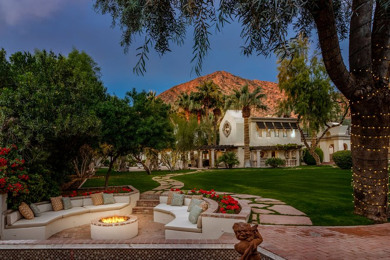 5 STAR UNIQUE VILLA ON 1 2 ACRE ESTATE AT CAMELBACK MOUNTAIN PHOENIX