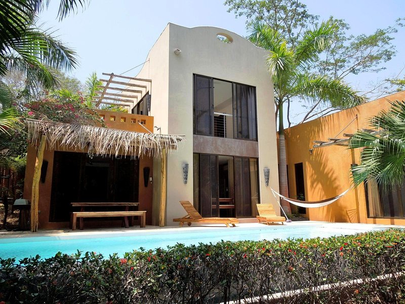 TAMARINDOSUN TROPICAL VILLA WITH SWIMMING POOL, holiday rental in Playa Langosta