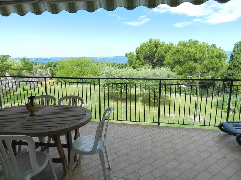 EDEN 1 LAZISE, vacation rental in Calmasino