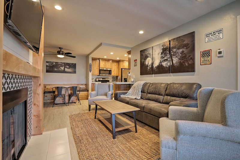 Your cozy mountain escape awaits at this slopeside Brian Head condo!