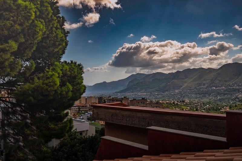 Casa Rossa -Appartamento Ficod'India, holiday rental in Monreale