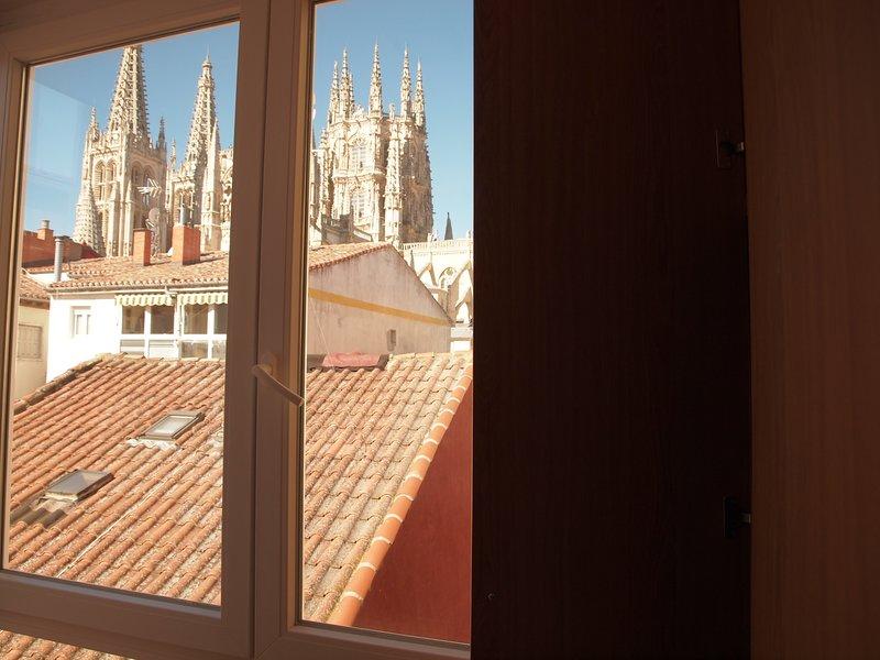 Apartamento a estrenar plaza mayor con balcón a la catedral – semesterbostad i Buniel