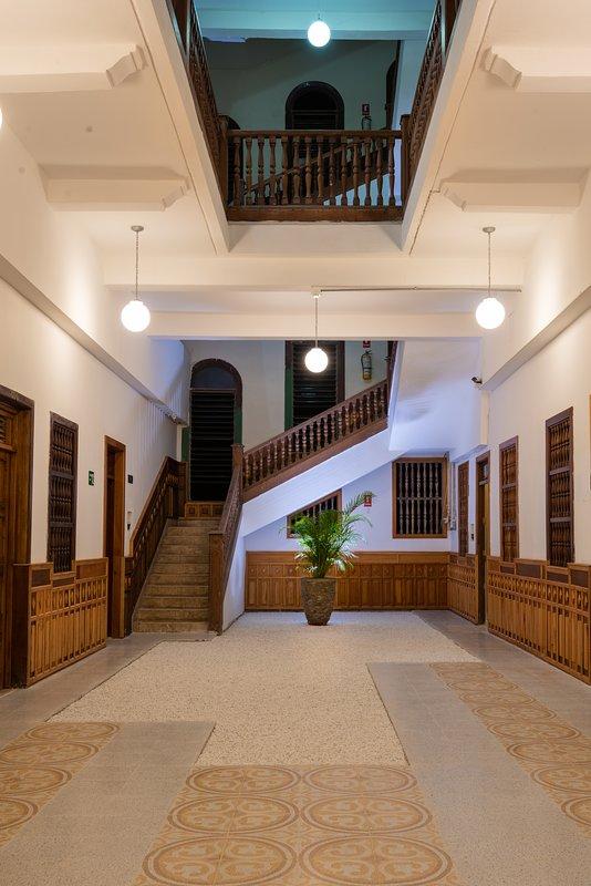 Pompeyano Hallway with Rock Garden