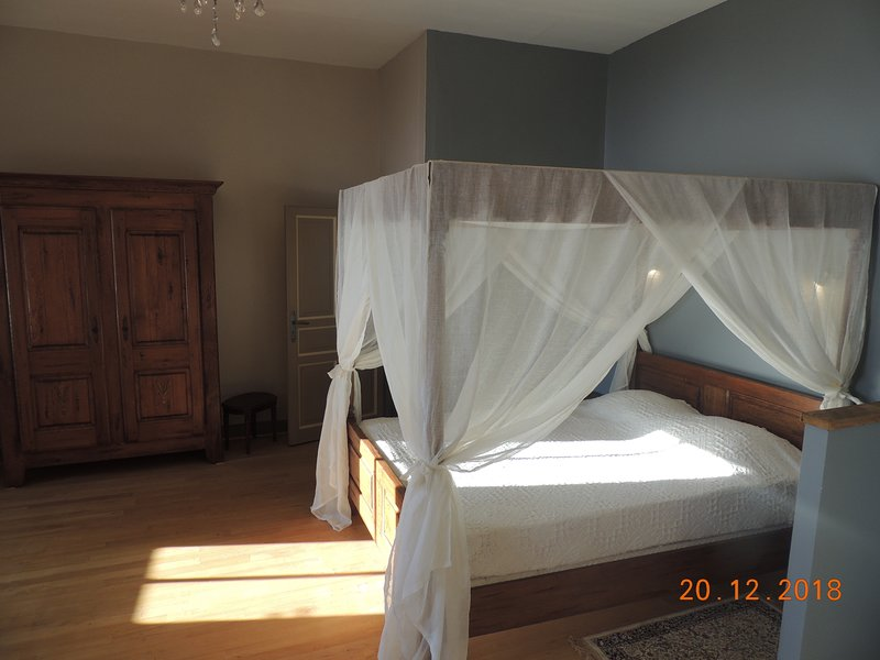 Chambre d'hotes, holiday rental in Uzer