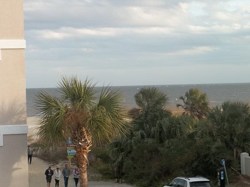 Aprecie a sua vista no lado OPEN OCEAN da ilha; nascer do sol bonito!