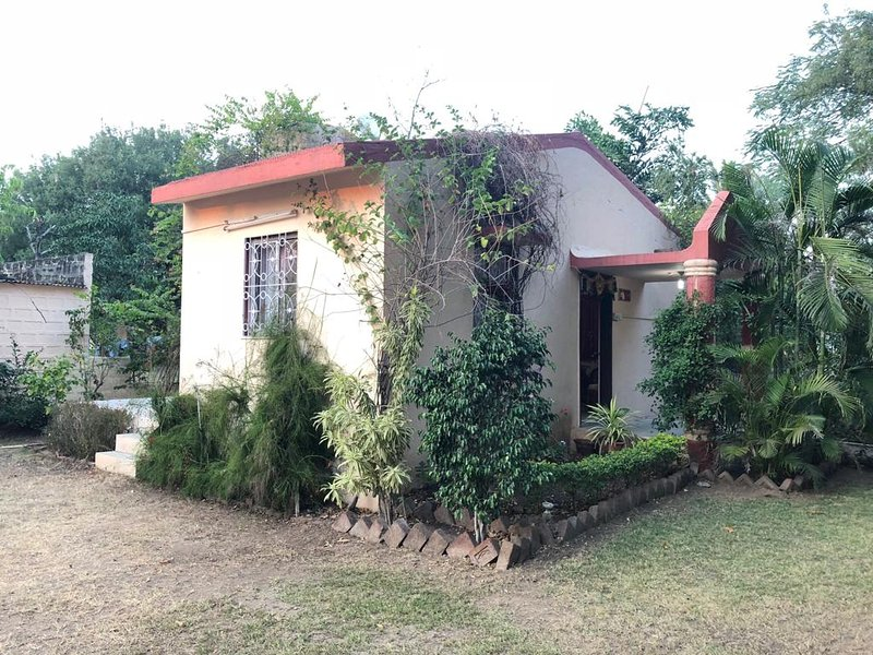 Nature's Paradise - KDR Farms, Ferienwohnung in Aurangabad