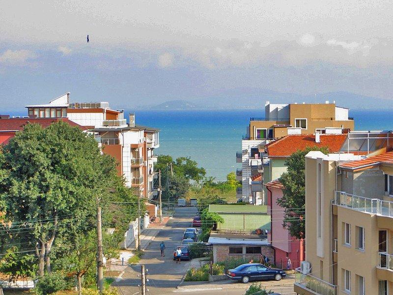 Elegant Studio Close To The Sea And Beach, holiday rental in Sarafovo