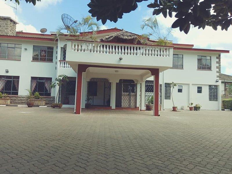 Bonsai Villa- Private Economy Suite, vacation rental in Limuru