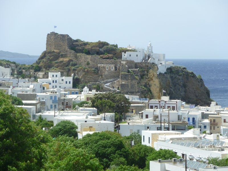 White washed island stone house in Nisyros island, holiday rental in Tilos