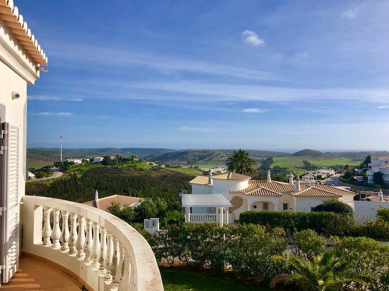 Villa da Cima - Villa on Parque da Floresta in Budens - Private pool, vacation rental in Vila do Bispo