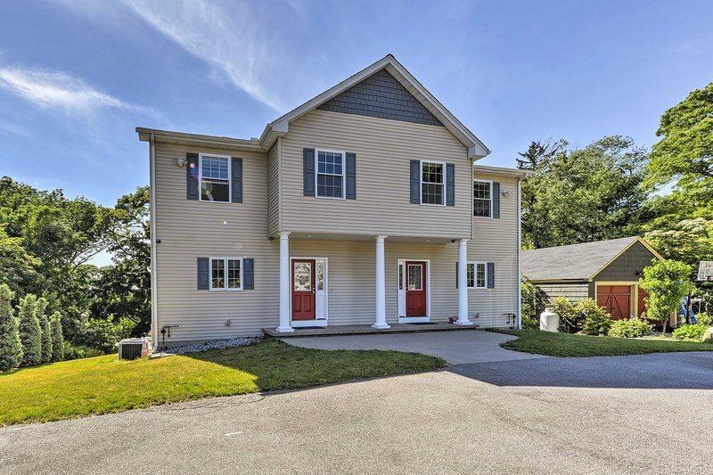 South Kingstown Home - Located on URI Campus!, location de vacances à Exeter