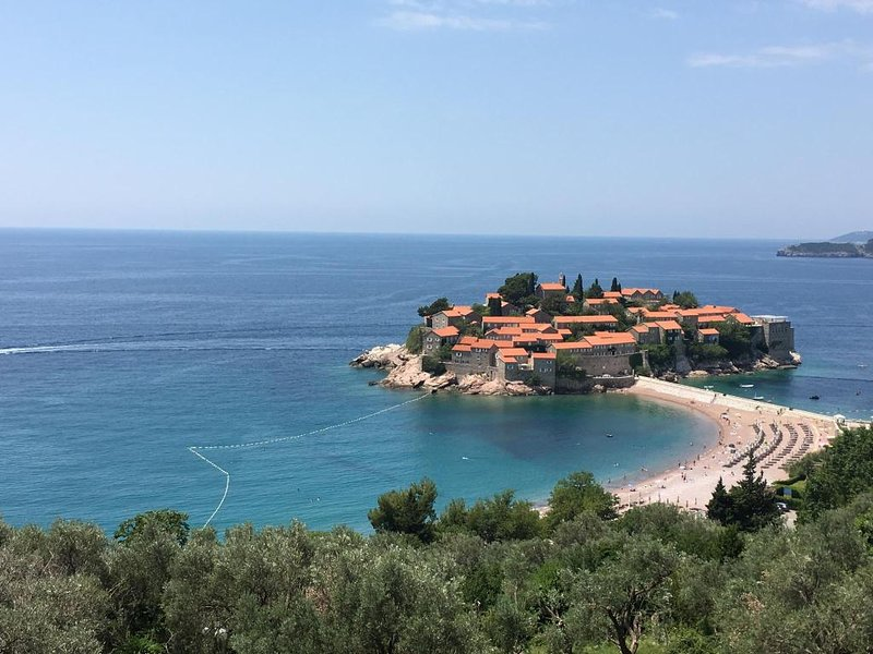 Bed and Breakfast Levantin Inn Triple Room 10, holiday rental in Sveti Stefan