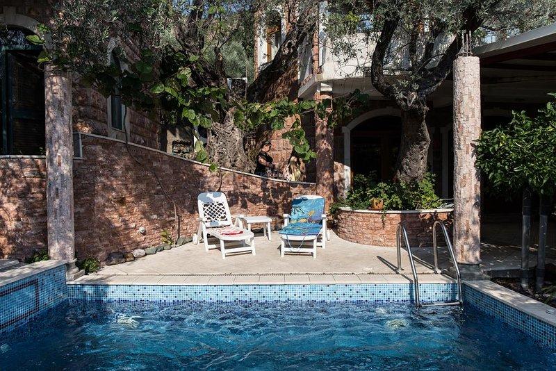 Bed and Breakfast Levantin Inn Triple Rooms 4, casa vacanza a Sveti Stefan