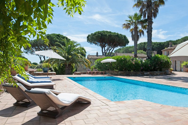 Calm and Charm in Saint Tropez, Ferienwohnung in Saint-Tropez