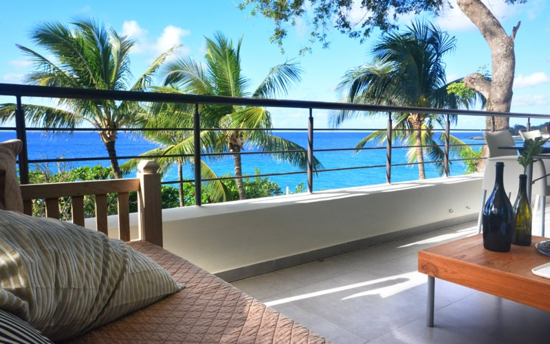Infiniti Blu Ocean Front Condos is a first-class community located in the center of Sosua.