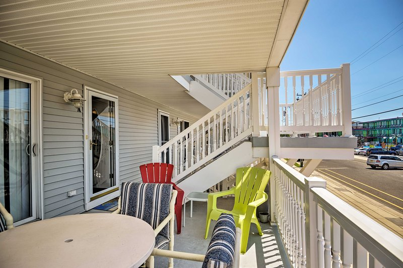 This 3-bedroom, 2-bathroom home offers a furnished balcony and more!