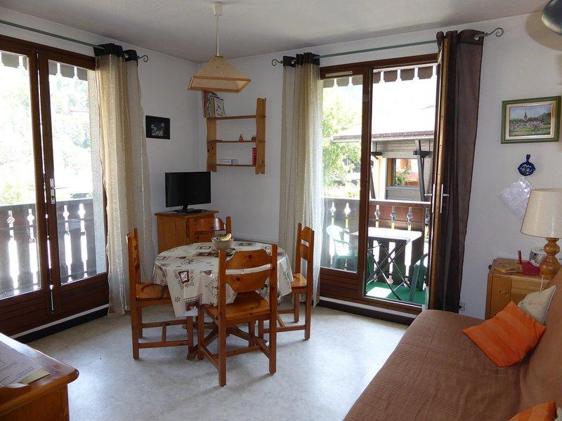 Trouvez la paix et la détente avec vos amis proches et votre famille dans notre charmant appartement aux Houches!