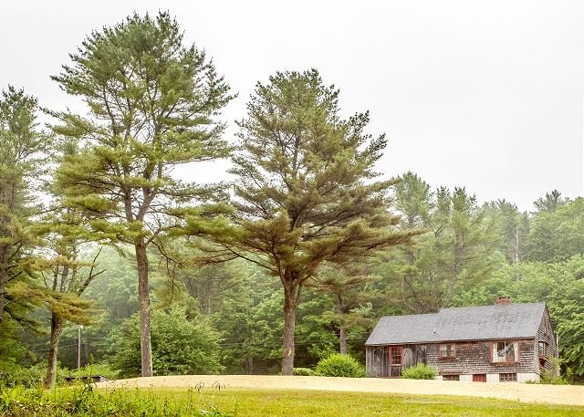 Lakefront Gem - 350' of Private Lake & 2 Acres, 2 Kayaks Provided!, holiday rental in Wiscasset