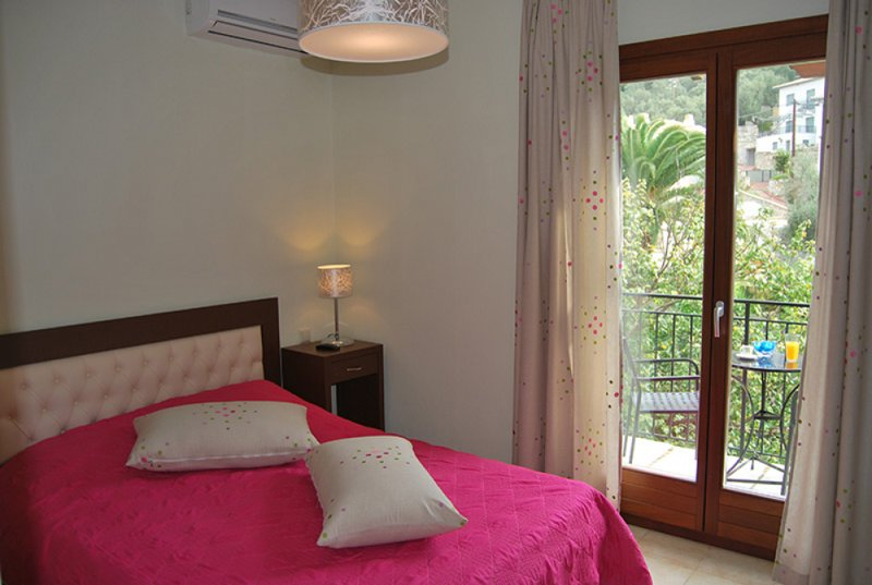 Sunset Suits Lefokastro Pelion App.2, holiday rental in Kalamos