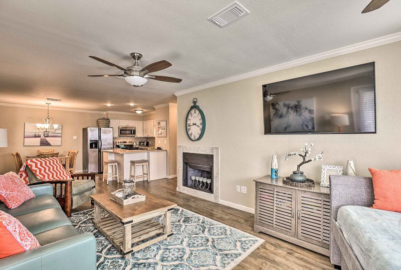 Enjoy an easy-going getaway at this Port Aransas vacation rental condo!