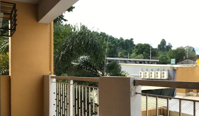 2 Bedroom Condominium for 5 people, holiday rental in Toril
