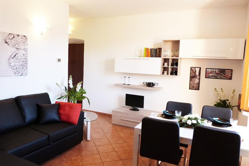 APARTMENTS VILLA GIULIA (1-Bedroom Apartment) by Holiday Apartments srl, holiday rental in Limonta