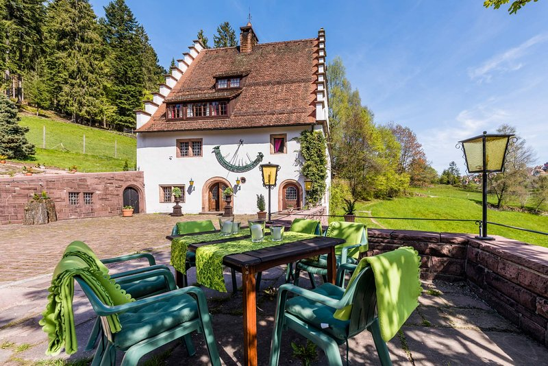 Manor house Bärenschlössle Black Forest - secluded location, aluguéis de temporada em Bad Rippoldsau