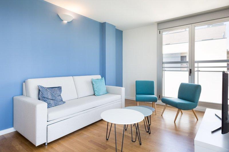 Olala Port Forum Apartment 2.3, holiday rental in Sant Adria de Besos