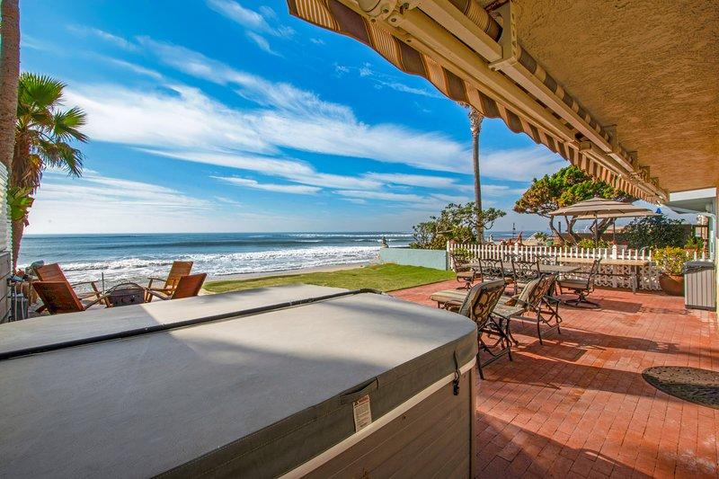 Deluxe Oceanfront Beach House on the Sand, location de vacances à San Juan Capistrano