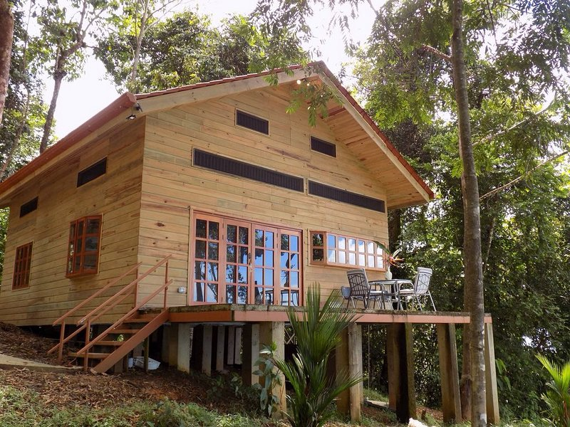 Whale Tail Chalet, vacation rental in Uvita