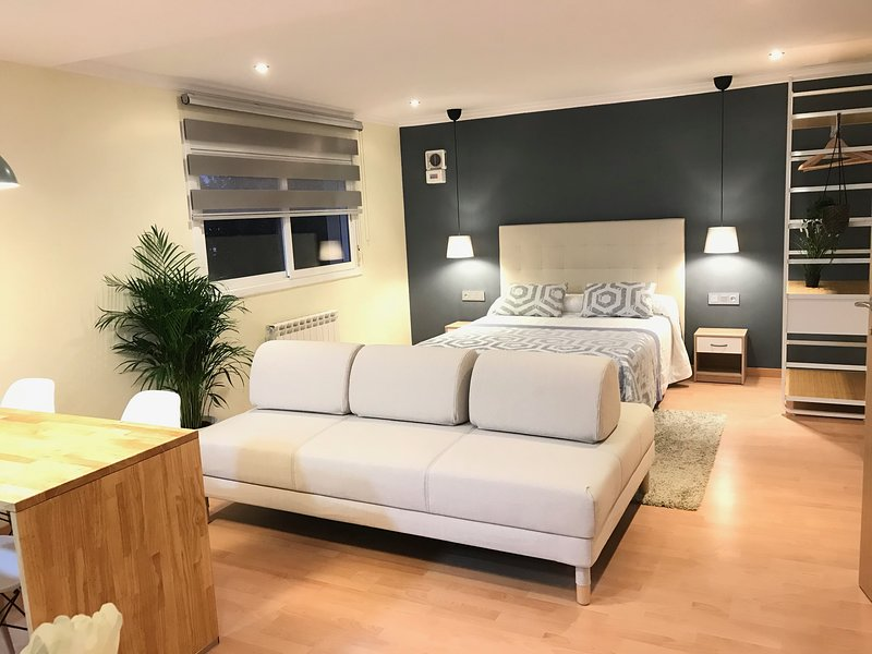 LOFT A 20´ DE BARCELONA Y 7´ DE LA UAB., vacation rental in Castellar del Valles