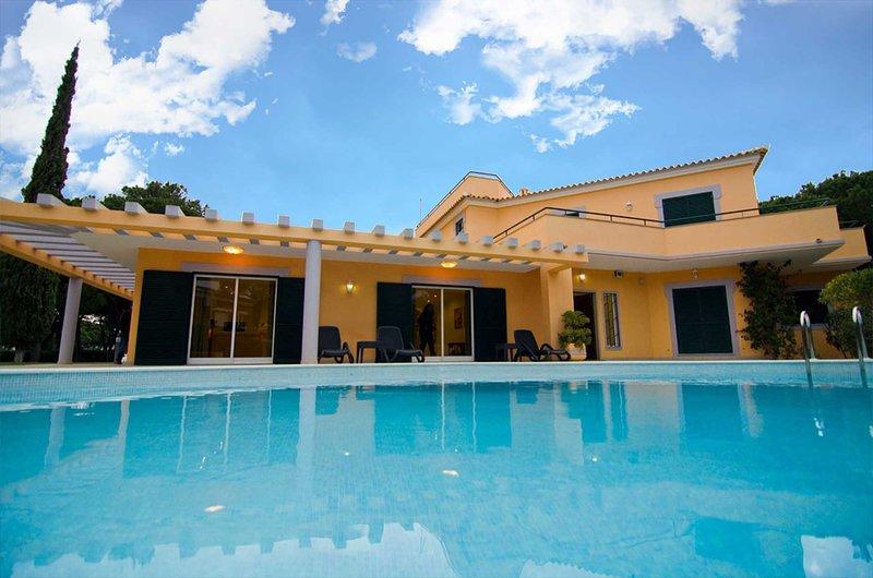 Villa Lopes, Ferienwohnung in Quarteira