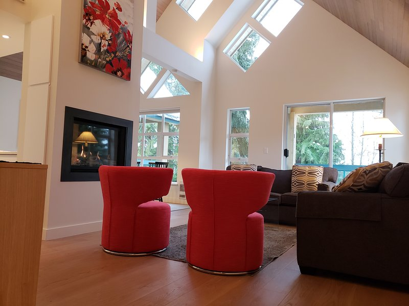 Snowbird101 4 Bdrm 4 bath Townhouse, Walk to Lifts and shops, vacation rental in Pemberton