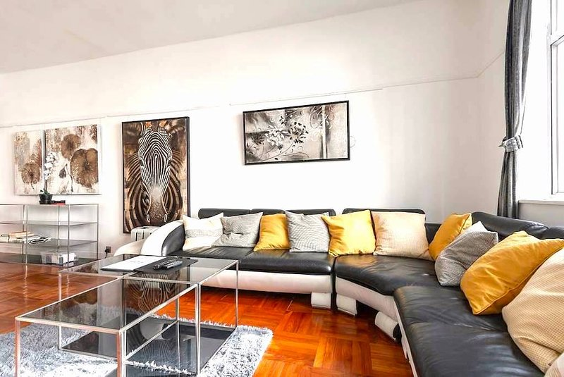 The Gallery 3 Bedroom Hong Kong Home With A View Updated 2019 Hong Kong Vacation Rental