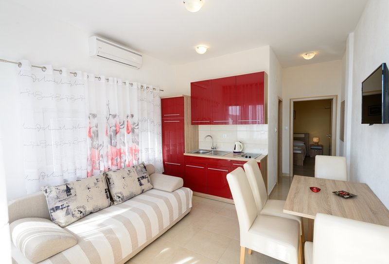 Apartmani Maris (E), holiday rental in Kukljic