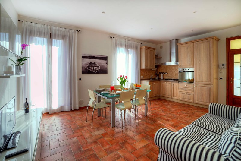 Casa il Glicine a due passi dal centro, holiday rental in Tognazza