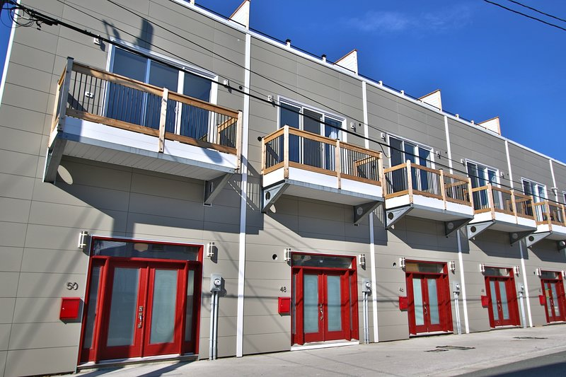 48 Brine Street - Townhomes at Hamilton and Brine, holiday rental in Witless Bay