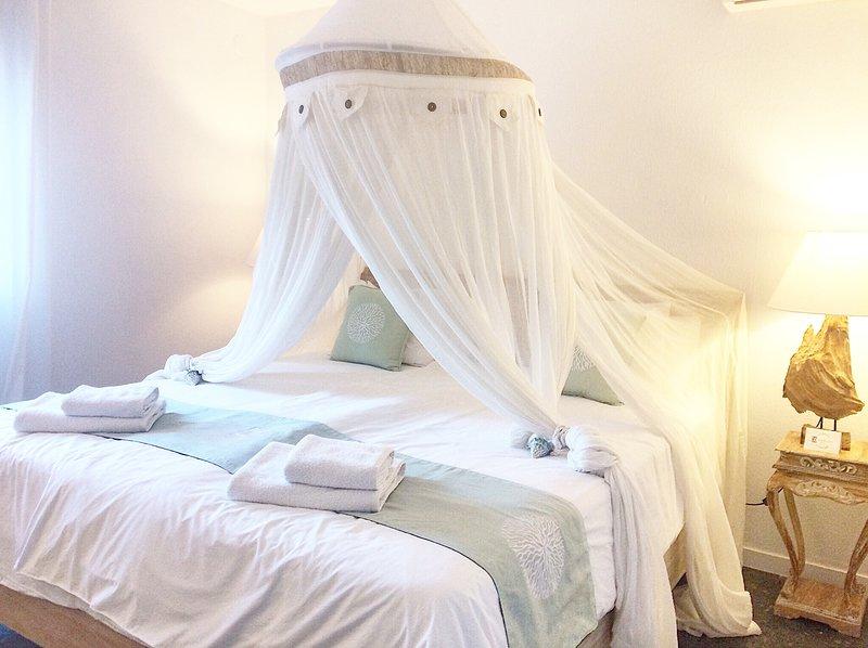 camera da letto casa bianca