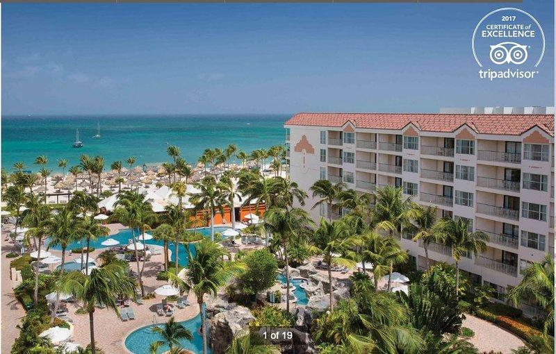 Complexe hôtelier à service complet Marriott Ocean Club directement sur Palm Beach.